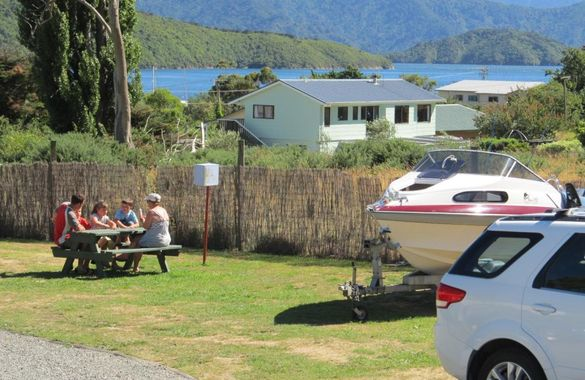Picton's Waikawa Bay Holiday Park and Park Motels image
