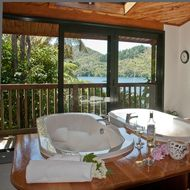 Lochmara Lodge Wildlife Recovery and Arts Centre image