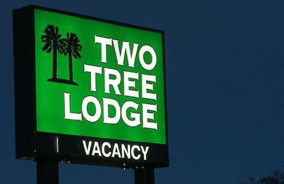 Two Tree Lodge image
