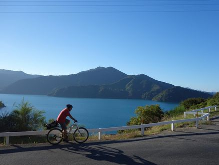 Views of the Marlborough Sounds along Queen Charlotte Drive
