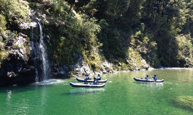 Kayak the Pelorus River