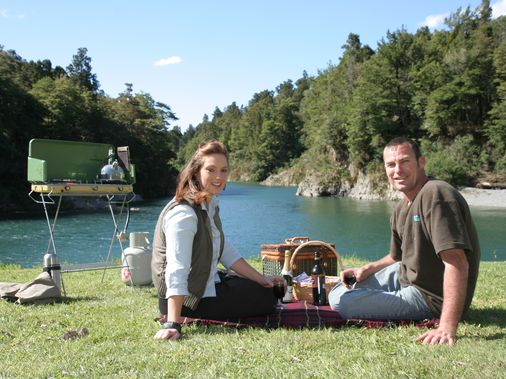 Picnic riverside at Pelorus