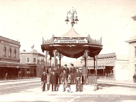 Cleghorn Memorial Rotunda in Blenheims Market Place June 1906